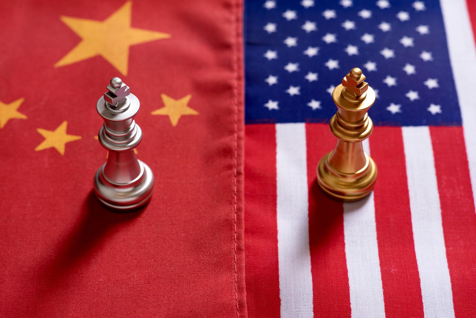 Изображение США и Китай: два сценария развития регулирования криптовалют