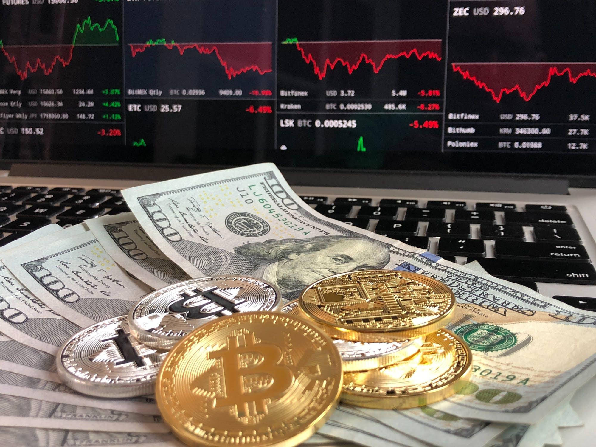 Изображение Деньги продолжают активно выводится из криптовалюты